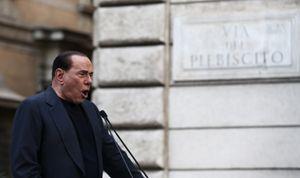 Silvio Berlusconi durante un recente comizio (Reuters).