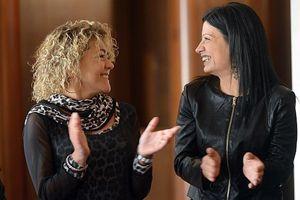 Alessia Montrone alla festa per i dieci anni dell'Acti-Roma, insieme a un'altra associata. In copertina: un primo piano di Alessia (foto di Cristian Gennari).
