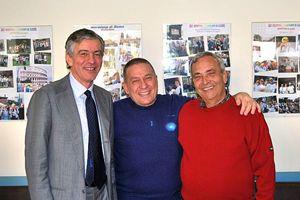Il cardiochirurgo Francesco Musumeci con due trapiantati. In copertina: Musumeci (le foto sono di Cristian Gennari).