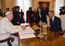 Le immagini dell'incontro tra papa Francesco e Barack Obama
