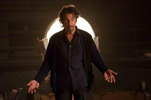 L'attore in una scena del film The Humbling