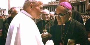 L'incontro tra Giovanni Paolo II e mons. Romero
