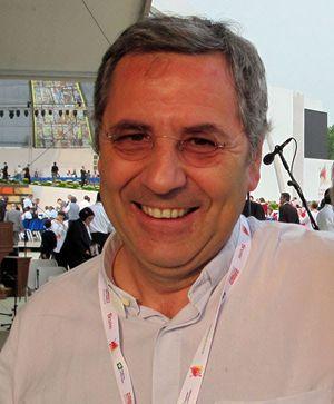 Don Giuliano Savina, parroco di San Martino in Greco, quartiere alla periferia nord di Milano.
