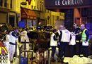 Francia sotto shock: attentati a raffica, 60 morti. Hollande chiude le frontiere. Cordoglio di Obama