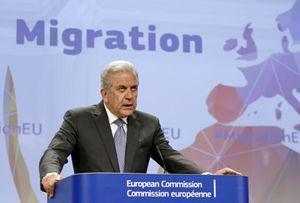 Il commissario europeo alle Migrazioni Avramopulos (Reuters).