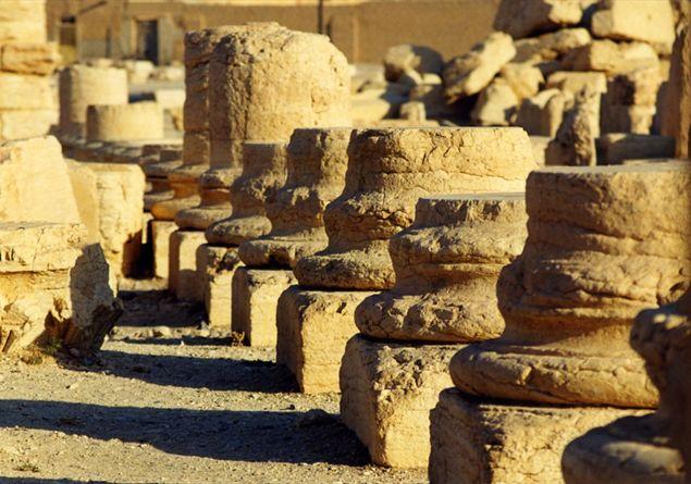 storia di palmira, la venezia del deserto - famiglia cristiana - Porta Di Sicurezza Con La Scena Del Deserto