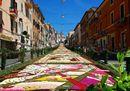 Le Infiorate celebrano il Corpus Domini in tutta Italia