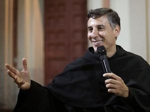 Padre Enzo Fortunato, frate minore conventuale, direttore della Sala stampa del Sacro convento di Assisi.