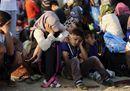 I muri della Fortezza Europa: la Macedonia chiude i confini, migliaia di immigrati bloccati