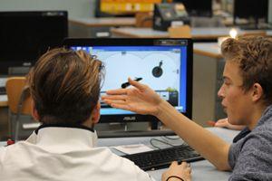 Nelle fotografie di questo servizio alcuni esempi dell'utilizzo di tablet e computer nelle aule delle scuole salesiane delle Opere Sociali Don Bosco a Sesto San Giovanni, in provincia di Milano.
