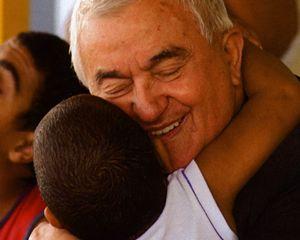 """don Oreste Benzi, fondatore della """"Comunità Papa Giovanni XXIII"""""""