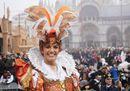 Da Nord a Sud, da Venezia a Viareggio ad Acireale, impazza il Carnevale