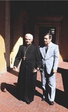Vittorio Messori con l'allora cardinale Joseph Ratzinger.
