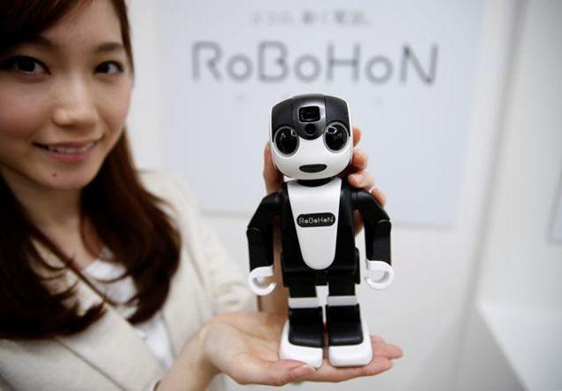 L'esordio di Icub | il robot. Guardate che combina
