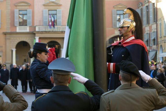 Italiani Strappano Bandiera Tailandese Condannati Hanno Detto Di