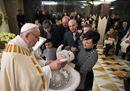 «Sono la speranza oltre il dolore della vostra terra»: il Papa battezza 13 bimbi del terremoto