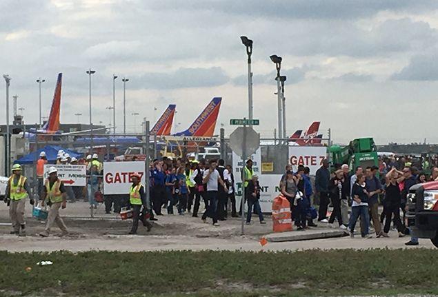 L'Fbi indaga sull'attentatore dell'aeroporto in Florida: forse ha disturbi psichici