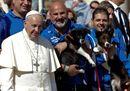 Pope Francis poses12.jpg