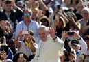 Pope Francis waves22.jpg