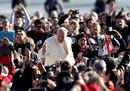 Pope Francis waves30.jpg