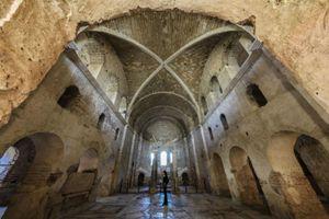 la chiesa di Myra, sotto la quale è stato rilevato il sepolcro
