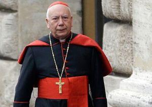 Il cardinale Francesco Coccopalmerio.