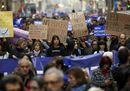 Barcellona scende in piazza: «Vogliamo ospitare più rifugiati»