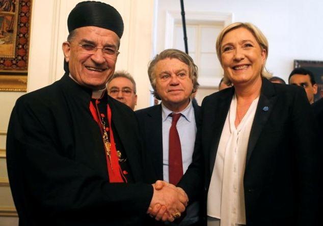 Le Pen va in Libano, e si rifiuta di mettere il velo