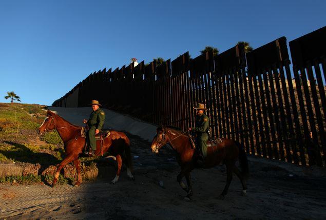 Trump. Muro che vuole a confine Messico costerà $22 miliardi