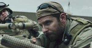 """Chris Kyle nel film """"American Sniper"""" interpretato da Bradley Cooper"""