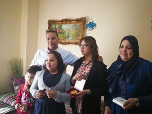 La famiglia musulmana che ha ricevuto la visita del Papa nel quartiere delle Case Bianche. Il padre Abdel Karim, la moglie Hanane e i figli Nada, Jinane e Mahmoud