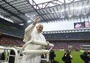 Le più belle immagini dell'incontro del Papa con i cresimandi a San Siro
