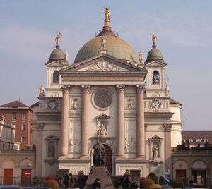 Il Santuario dedicato a Maria Ausiliatrice a Torino
