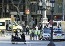 Terrore a Barcellona, furgone sulla folla delle Ramblas