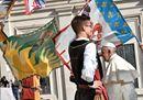 «Non aver paura di sognare»:  la ricetta del Papa per tener viva la speranza