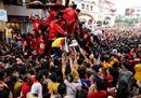 Filippine, folla oceanica per la processione del Nazareno Nero