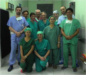 Paolo Morselli, il primo a sinistra, con il suo gruppo di lavoro.