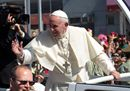 Pope Francis waves8.jpg