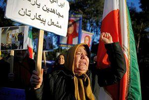 Manifestazione davanti all'Ambasciata iraniana a Roma del 2 gennaio scorso.