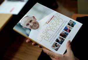 """Il volume """"La saggezza del tempo"""" (Marsilio) presentato mercoledì insieme al Papa"""