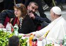 Le più belle immagini del pranzo del Papa con i poveri