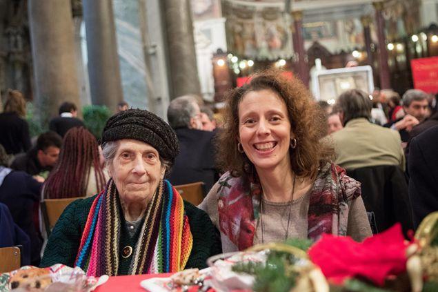 Aggiungi un posto a tavola natale con la comunit di sant 39 egidio famiglia cristiana - Aggiungi un posto a tavola 12 ottobre ...