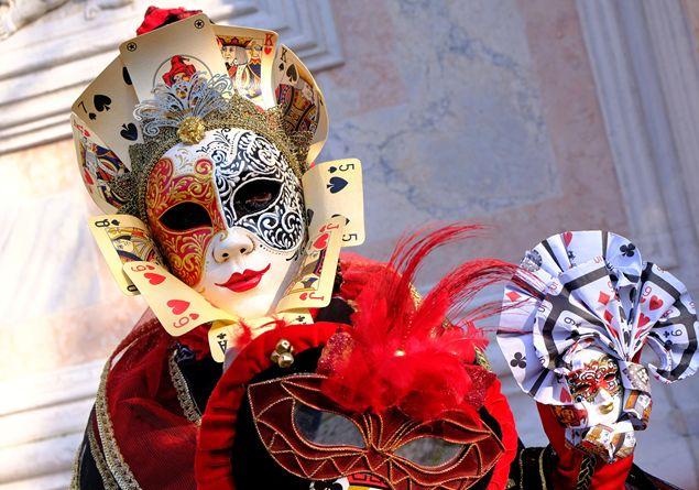 Carnevale Le Radici Religiose Di Maschere E Trasgressioni