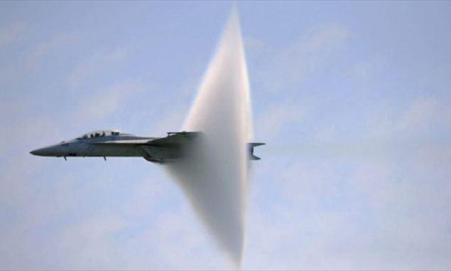 aerei alla velocità del suono