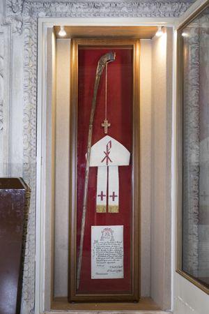 Il pastorale in legno d'ulivo di don Tonino Bello conservato a Molfetta