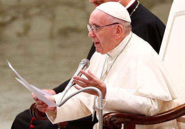 Papa Francesco No Allipocrisia Di Chi Prega A Pappagallo