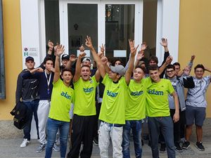 Un gruppo di studenti dell'ASLAM di Magenta