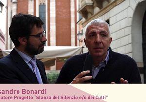 Alessandro Bonardi: La stanza del silenzio, preghiere senza bandiere